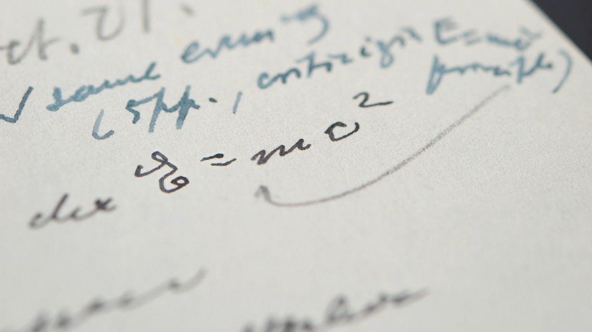 Einsteinovu rovnici vydražili za miliony
