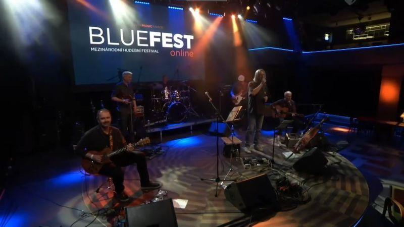 BlueFest s Larkin Poe a Walterem Troutem