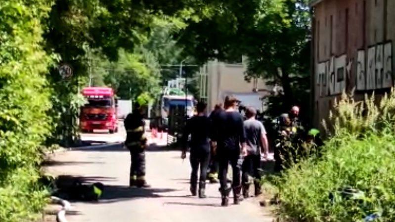 Muž jako jediný z kolegů přežil únik chemikálií v Plzni: Přišel jsem do práce a probral se na jipce