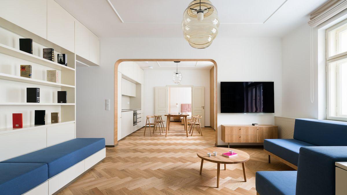 Starší byt v žádané lokalitě byl výzvou. Architekti úpravu zvládli na jedničku