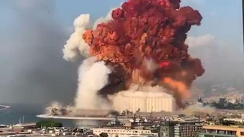 V Libanonu zemřelo po explozi skladovaného paliva nejméně 22 lidí