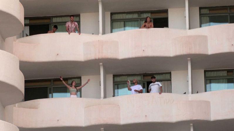 Studentské večírky na Mallorce rozšířily koronavirus mezi mladými Španěly, dalo se tomu předejít