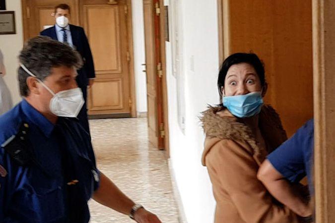 BEZ KOMENTÁŘE: Sandra Tulachová u soudu