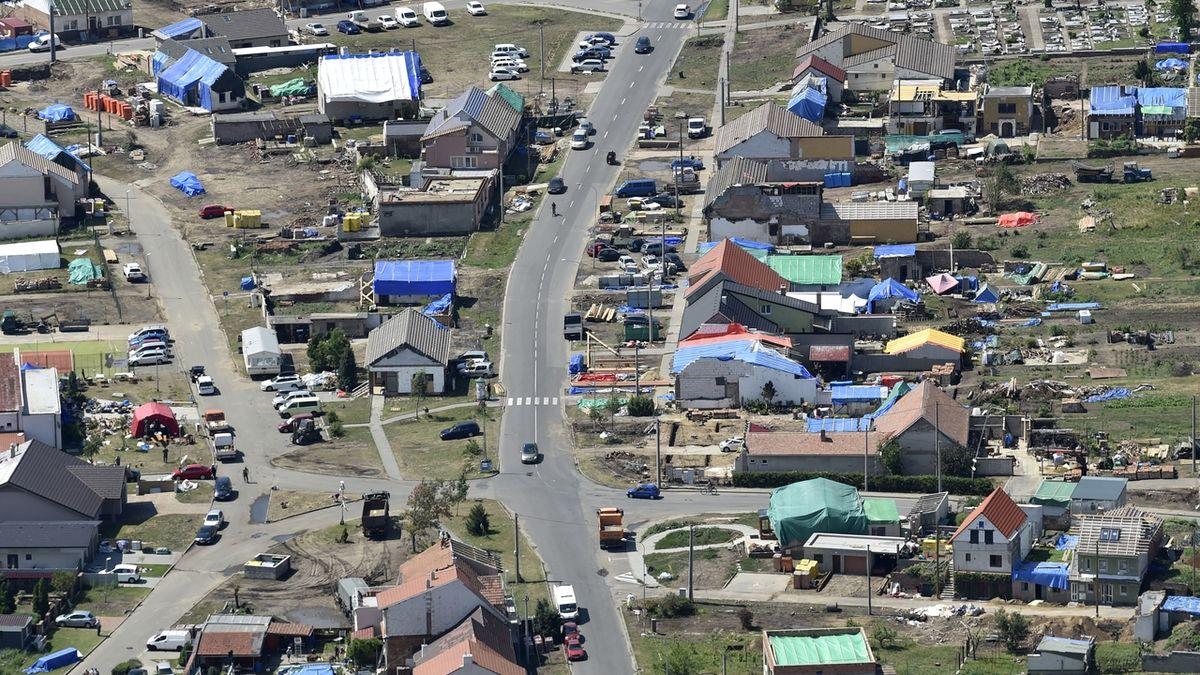 Starostce obce postižené tornádem vyhrožovala místní žena
