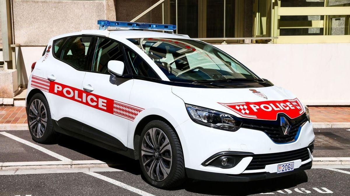 Čtyřletý chlapec v Monaku s autem svého otce přejel chodce