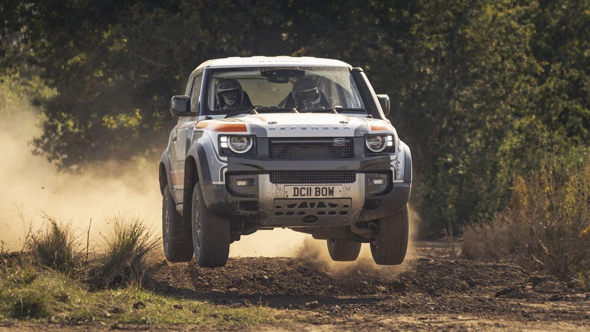 Land Rover Defender dostal ostrou verzi pro offroadové závody