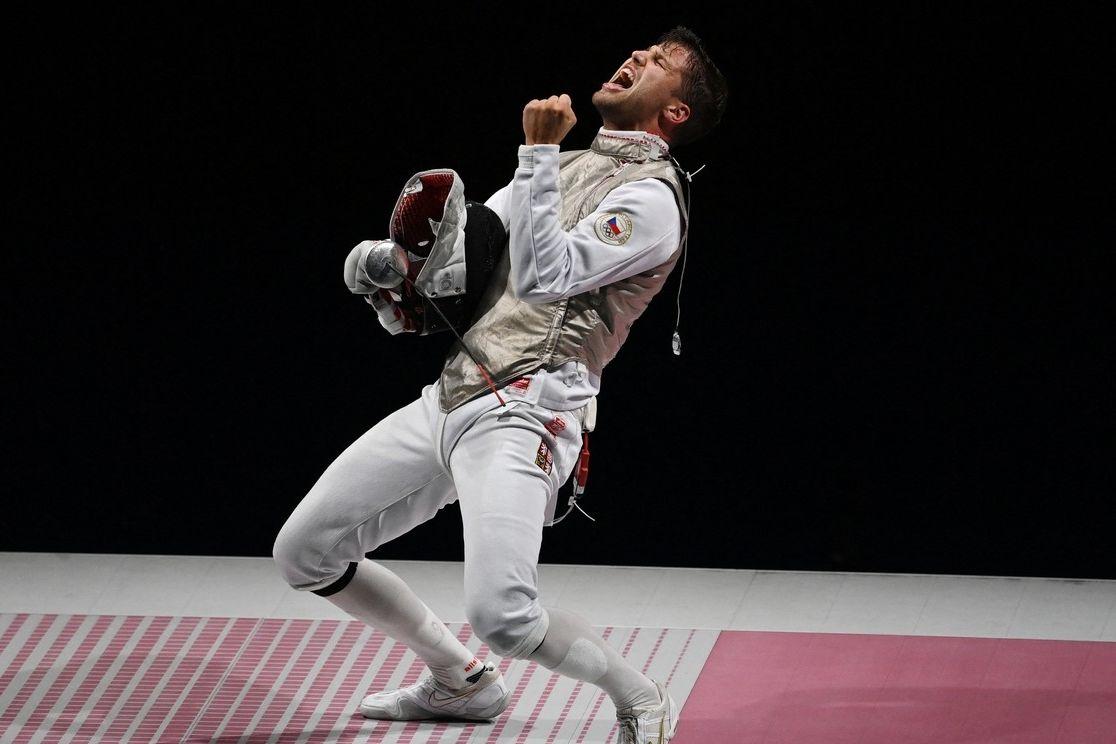 Alexander Choupenitch se raduje z bronzové medaile.