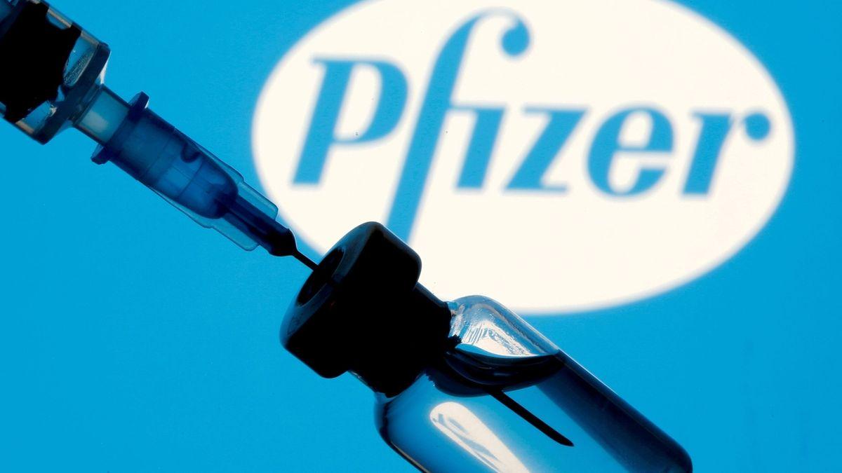 Vakcínu na covid Pfizer původně zavrhl