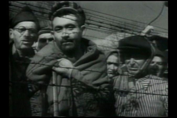 BEZ KOMENTÁŘE: Archivní záběry z koncentračního tábora Osvětim