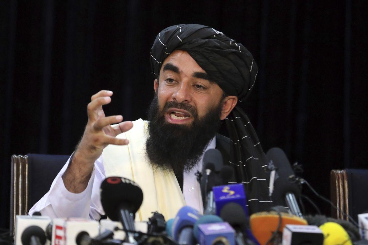 Mluvčí Tálibánu Zabiulláh Mudžáhid