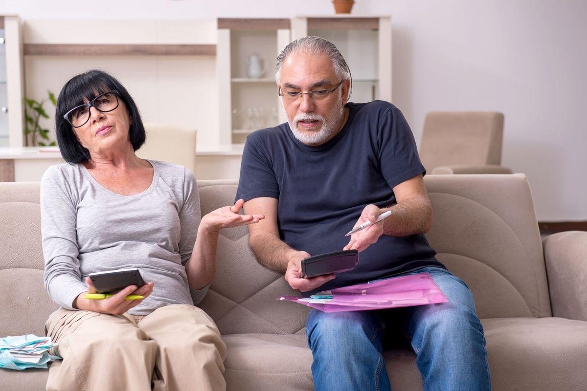 Spory o finance jsou bohužel častým jevem. Kde je vzít a nekrást, co za ně zaplatit nejdřív? Tyto problémy řeší spousta rodin.