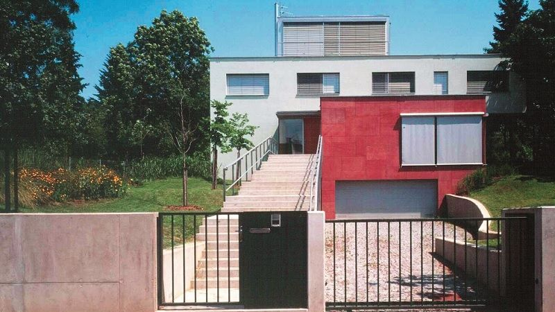 Třípodlažní vila v brněnské Masarykově čtvrti poskytuje plný komfort k různým účelům