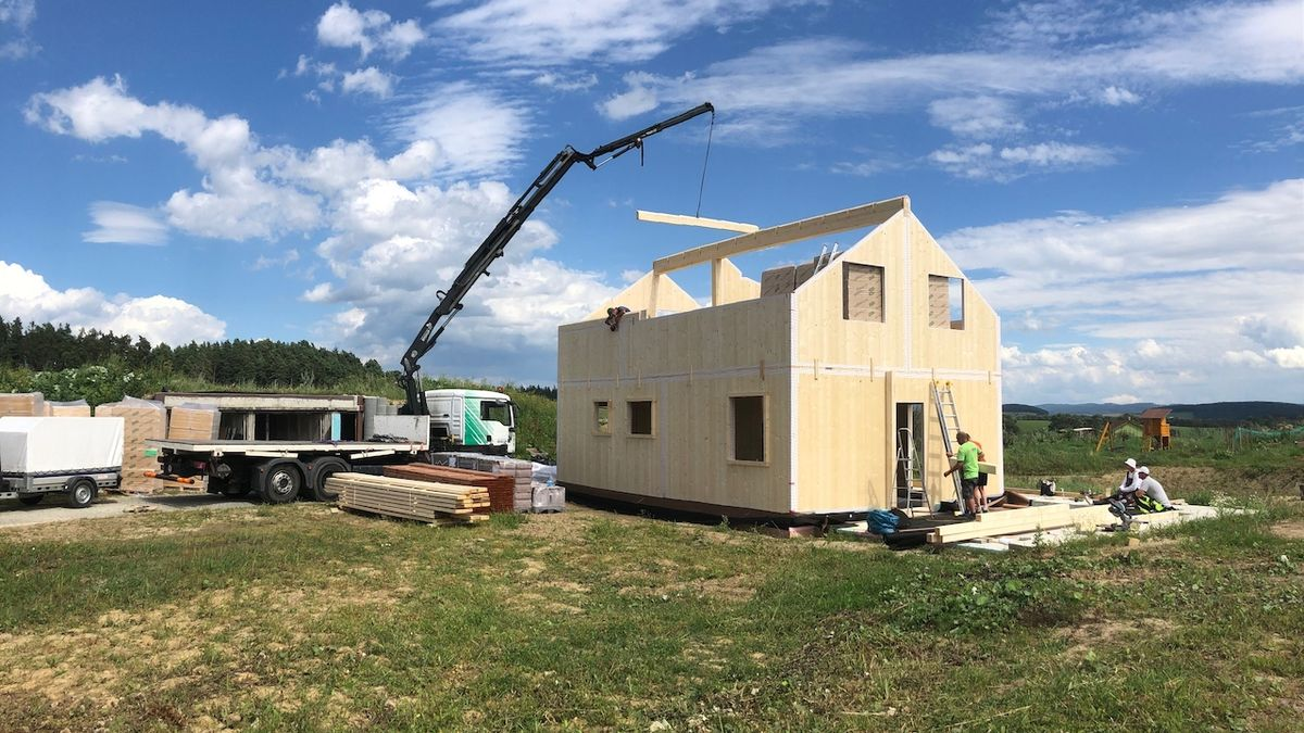 Cihla, beton nebo dřevo? Každý stavební materiál má své