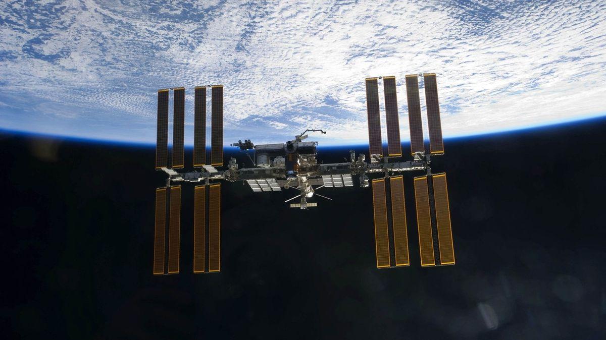 Prodlužovat životnost ruské části ISS je ruská ruleta, varuje šéfkonstruktér