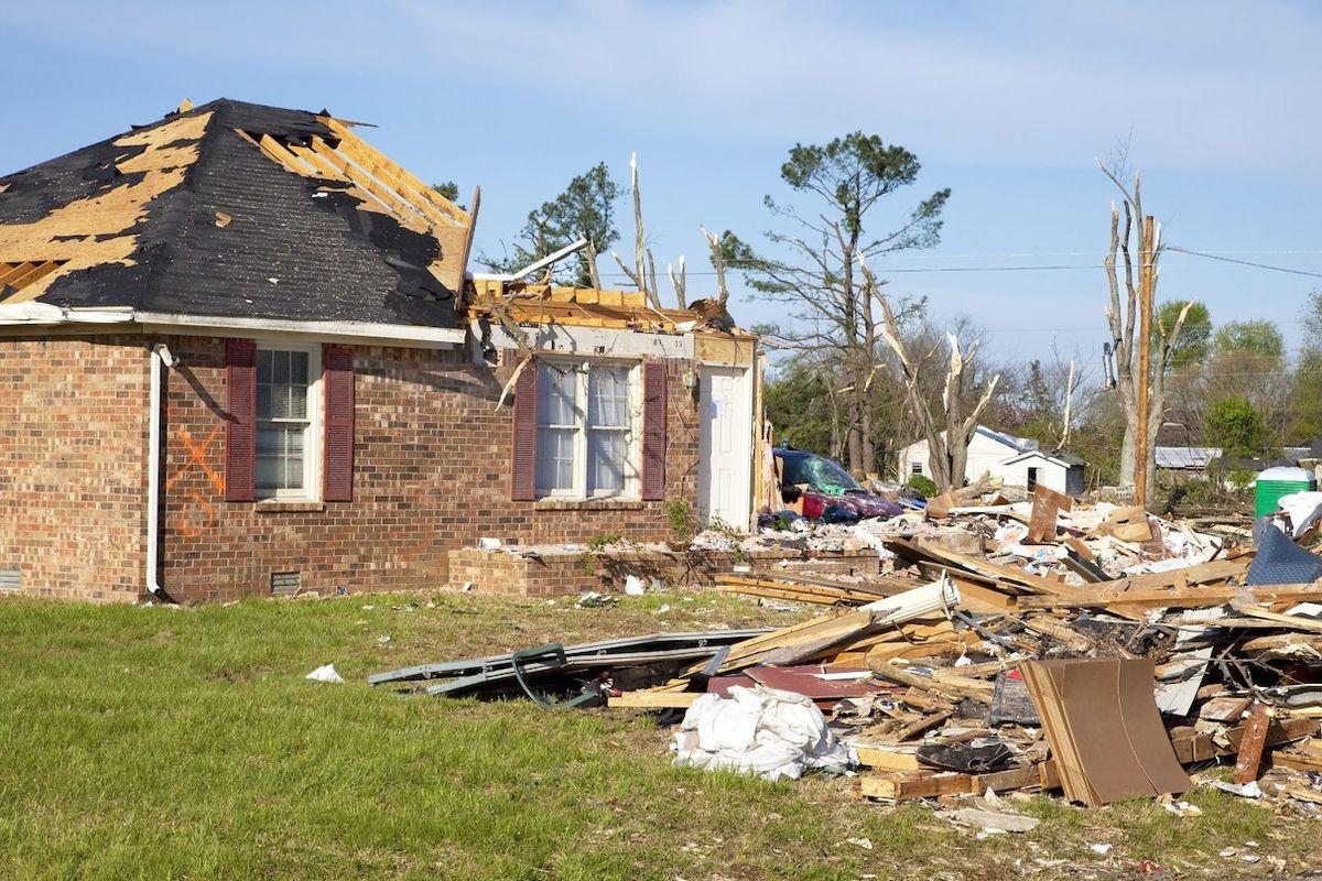 Tornádo na jižní Moravě ukázalo, že i vítr dokáže způsobil fatální škody a jeho síla může zničit celý dům.