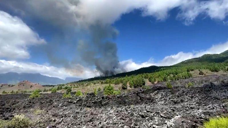 Kanárskými ostrovy otřásá sopečná erupce. Úřady evakuují obyvatele