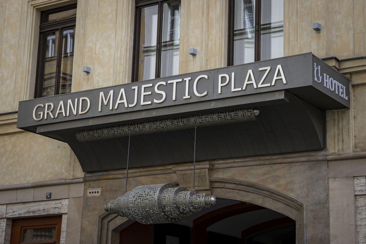 Koalice Spolu sledovala sčítání voleb v hotelu Grand Majestic Plaza v pražské Truhlářské ulici.