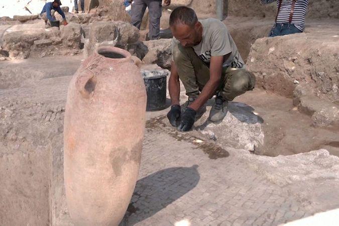 BEZ KOMENTÁŘE: Archeologové v Izraeli objevili největší vinařství byzantské éry staré 1500 let