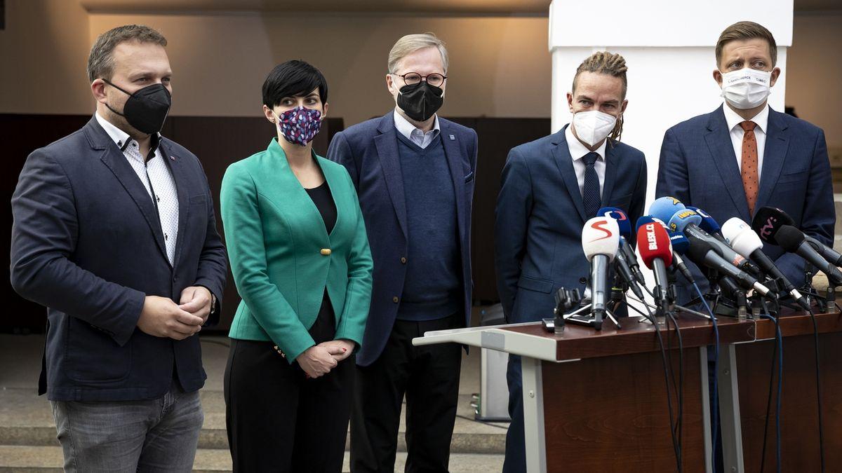Kdo bude v nové vládě? Kandidáti už dohromady řeší program