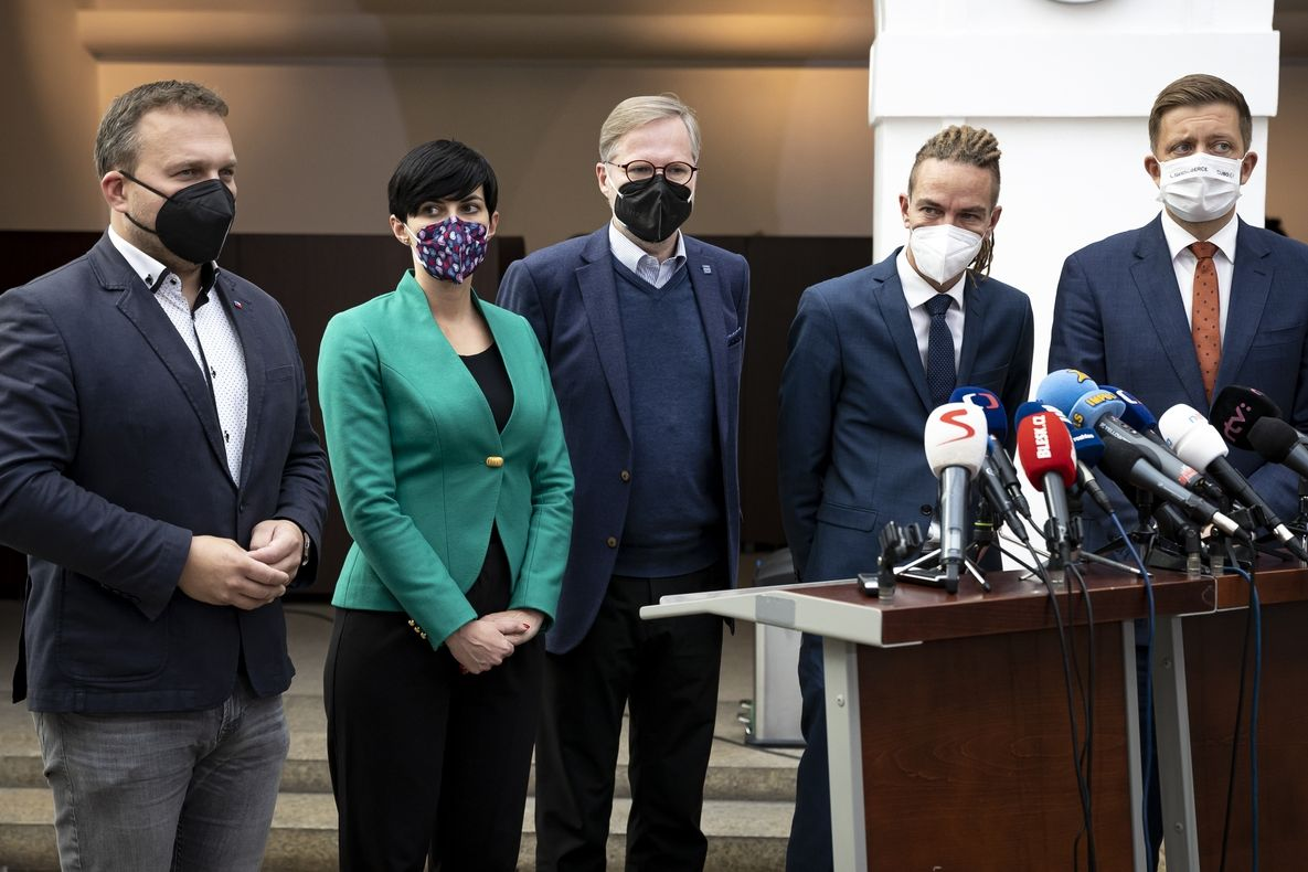 Zleva Marian Jurečka, Markéta Pekarová Adamová, Petr Fiala, Ivan Bartoš a Vít Rakušan.