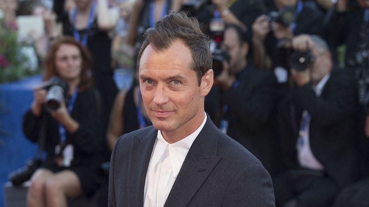 Magazínem People byl zvolen za nejvíc sexy muže světa roku 2004.