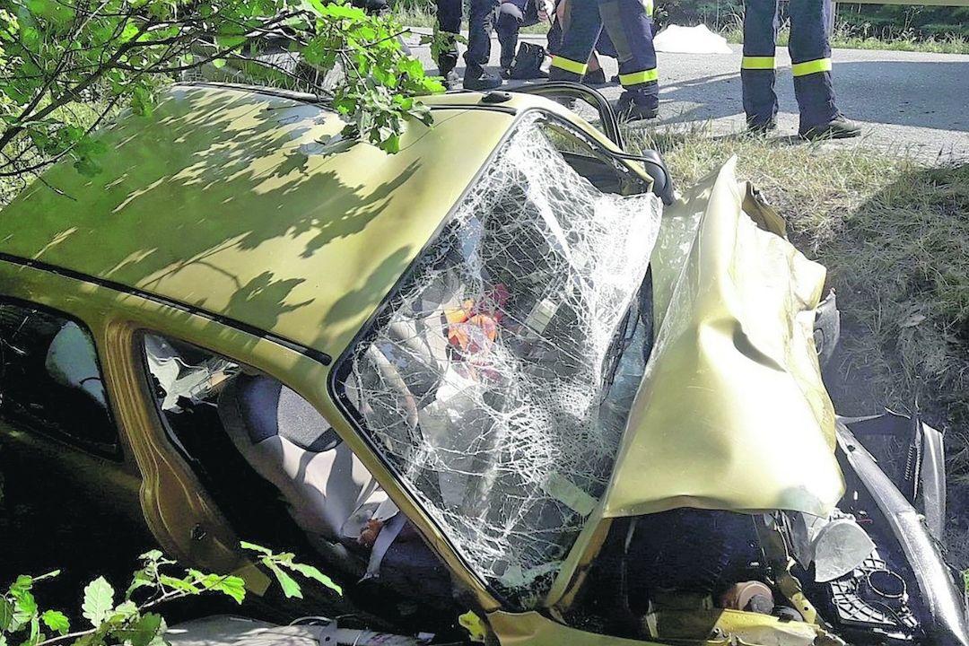 Tak vypadalo po nehodě auto, jehož řidička přišla o nohu.