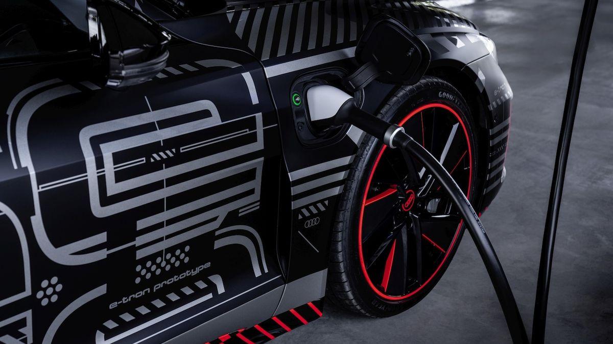 Audi Q6 e-tron dorazí příští rok