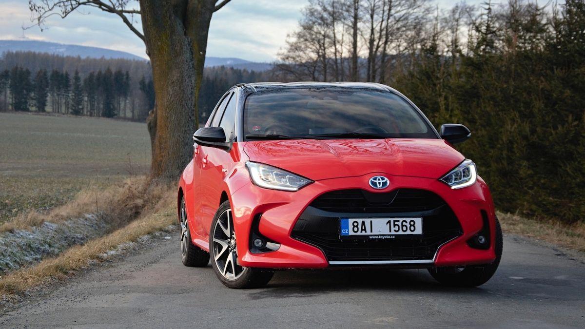 Světové auto roku 2021 zná finalisty, šanci má i Toyota Yaris