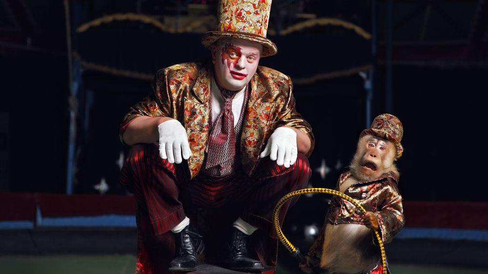 Církev si objednala kozy s hákovými kříži pro cirkusové představení