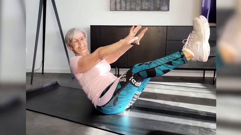 Cvičící videa 81leté stařenky dobývají internet
