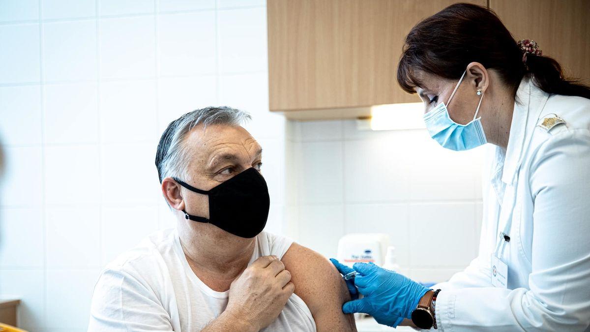 Orbán dostal čínskou vakcínu. Třetí vlna bude silnější, varuje