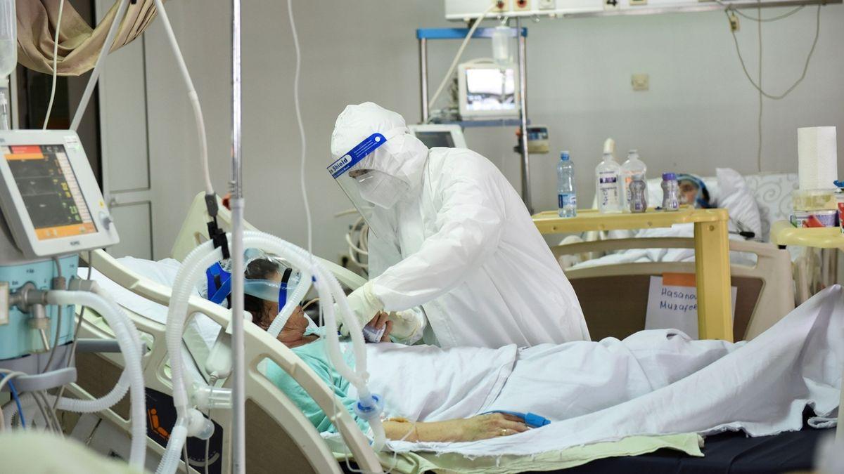 Dejte mi vakcínu, prosí v USA na smrtelné posteli pacienti s covidem. Na to už je pozdě