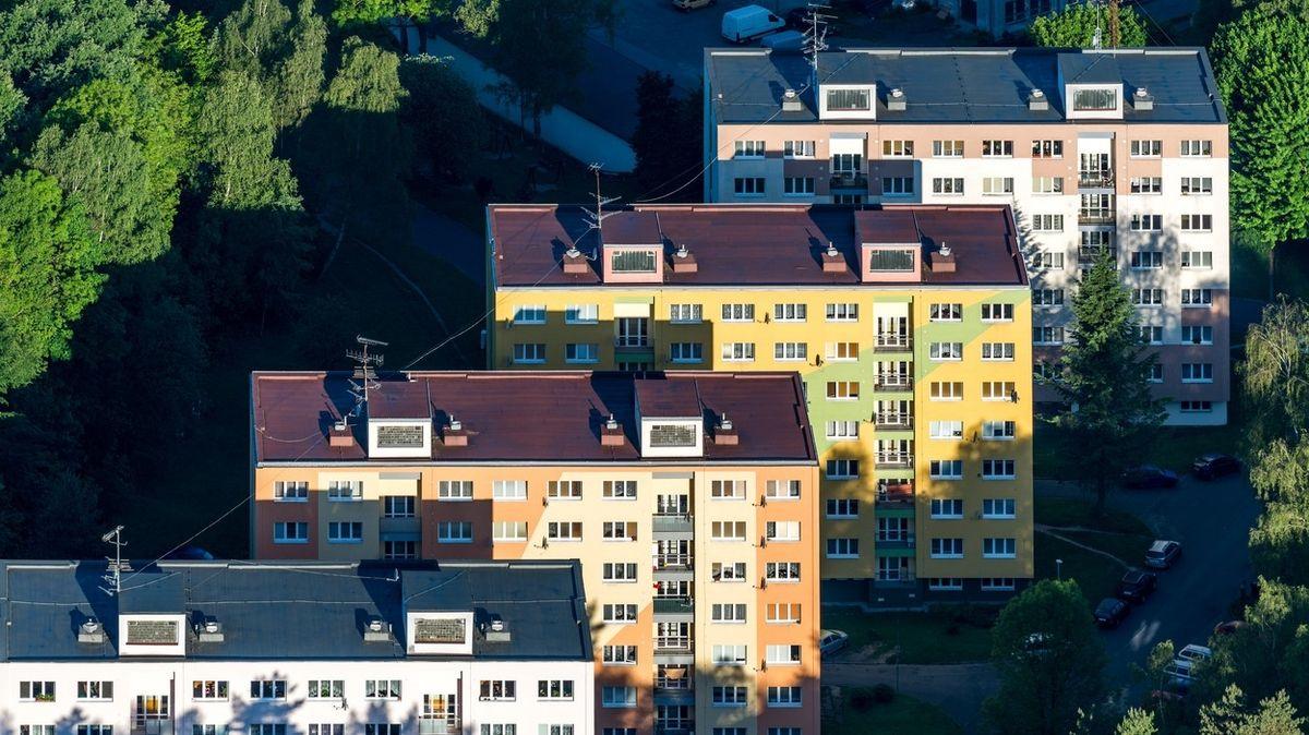 Opravený panelový byt bývá lepší než nový u dálnice a pole