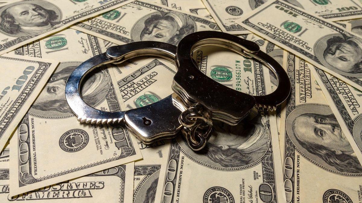 Američan chtěl koupit auto, s nímž o chvíli dříve vykradl banku