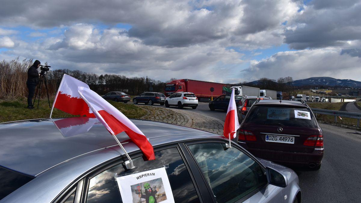 Poláci chystají kvůli sporu o důl Turów blokádu na hranicích