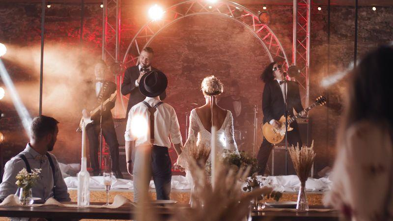 Skupina Rybičky 48 má svatební písničku a vyhlašuje svatební soutěž