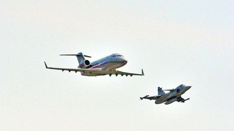 Ministři budou muset létat linkami. Vládní letka se smrskne