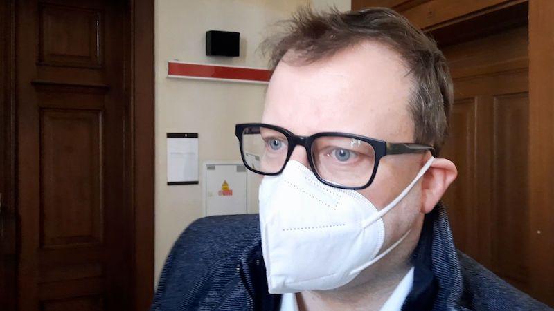 Zeman pět milionů za rakovinu nevysoudil, Bartík se musí omluvit a zaplatit 250 tisíc