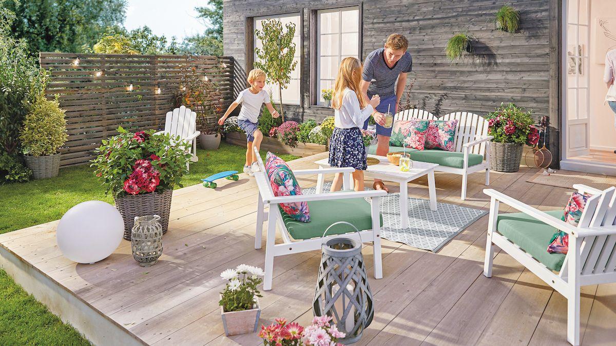 Správný set zahradního nábytku odolá počasí i stáří