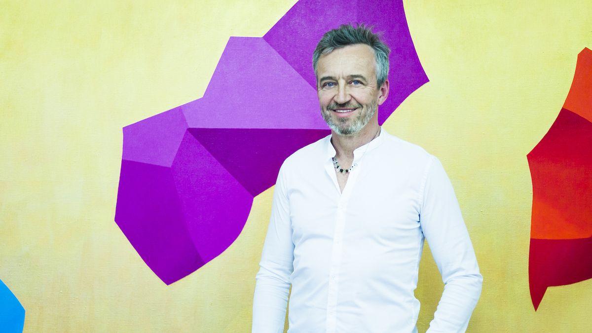 Výtvarník Petr Kvíčala hledá rytmus a řád v ornamentech