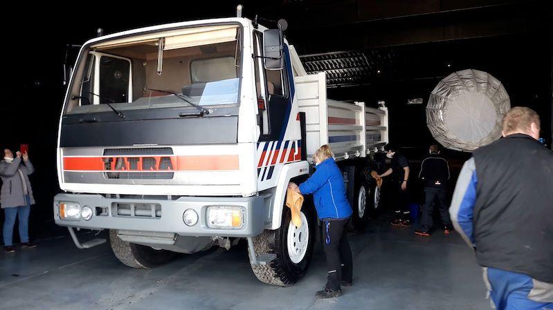Do budoucího muzea Tatry zamířila první auta