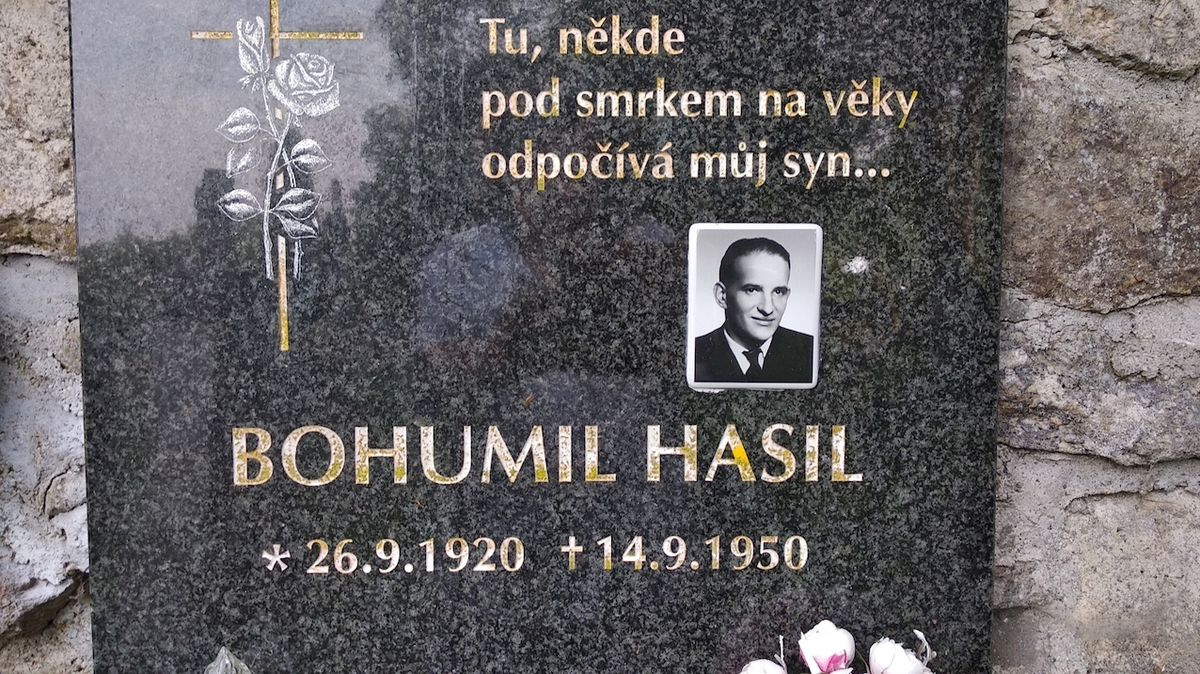 Hřbitov v Českých Žlebech ukrývá tajemství ostatků bratra Krále Šumavy