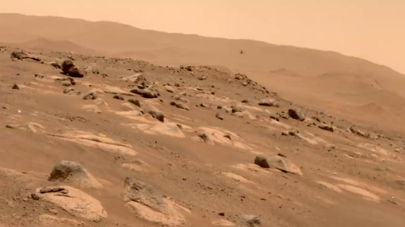 Ingenuity bude na Marsu létat ještě další měsíc, rozhodla NASA