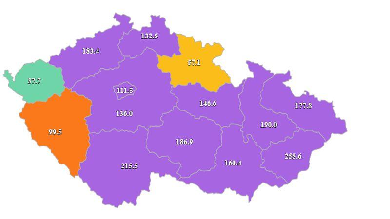 Praha má nakročeno k otevření škol, Karlovarský kraj uniká všem