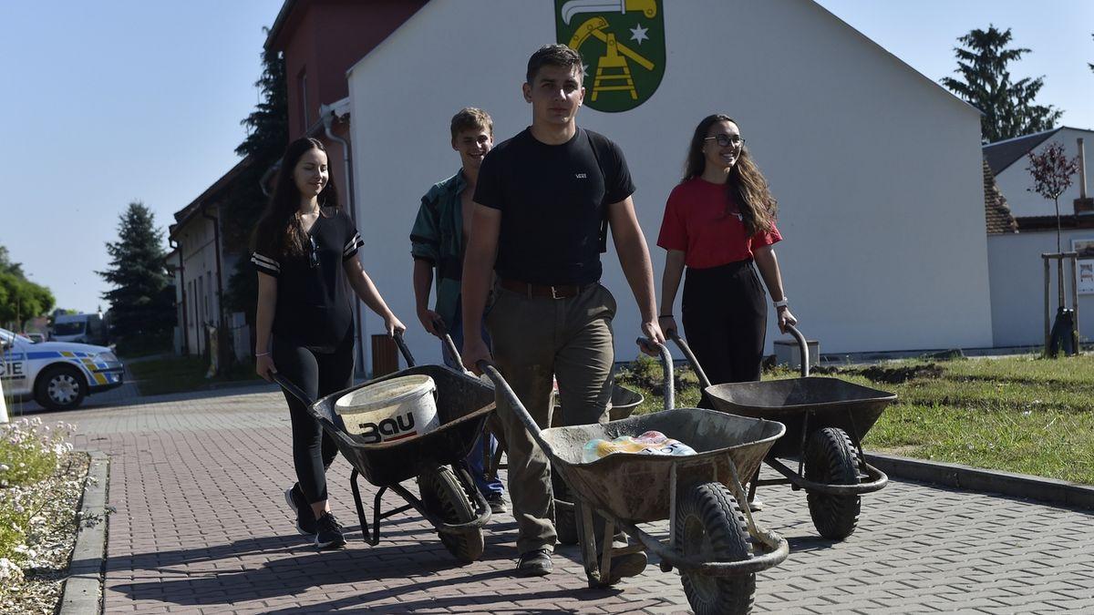 Přijeďte pomoci, kraj dal dobrovolníkům zelenou
