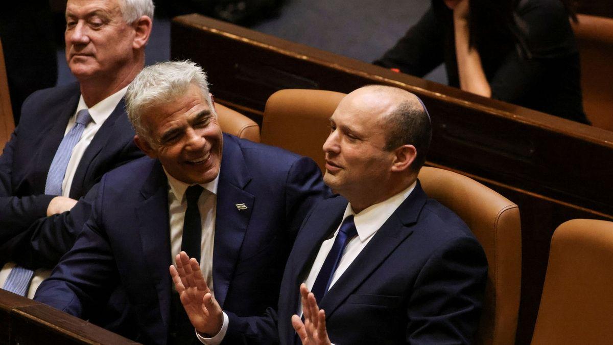 Nová koaliční vláda v Izraeli získala důvěru, přísahu složil nový premiér