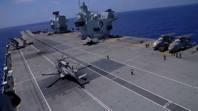 Do boje s Islámským státem vyrazila největší britská letadlová loď