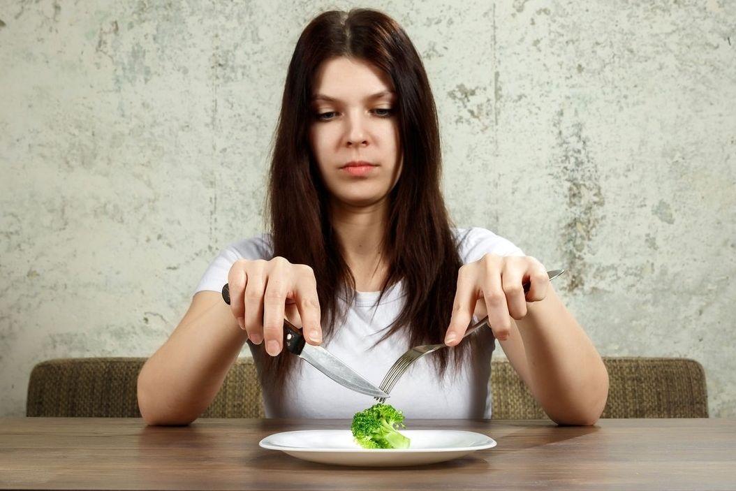 Z věčných diet snadno vzniknou vážné poruchy příjmu potravy.