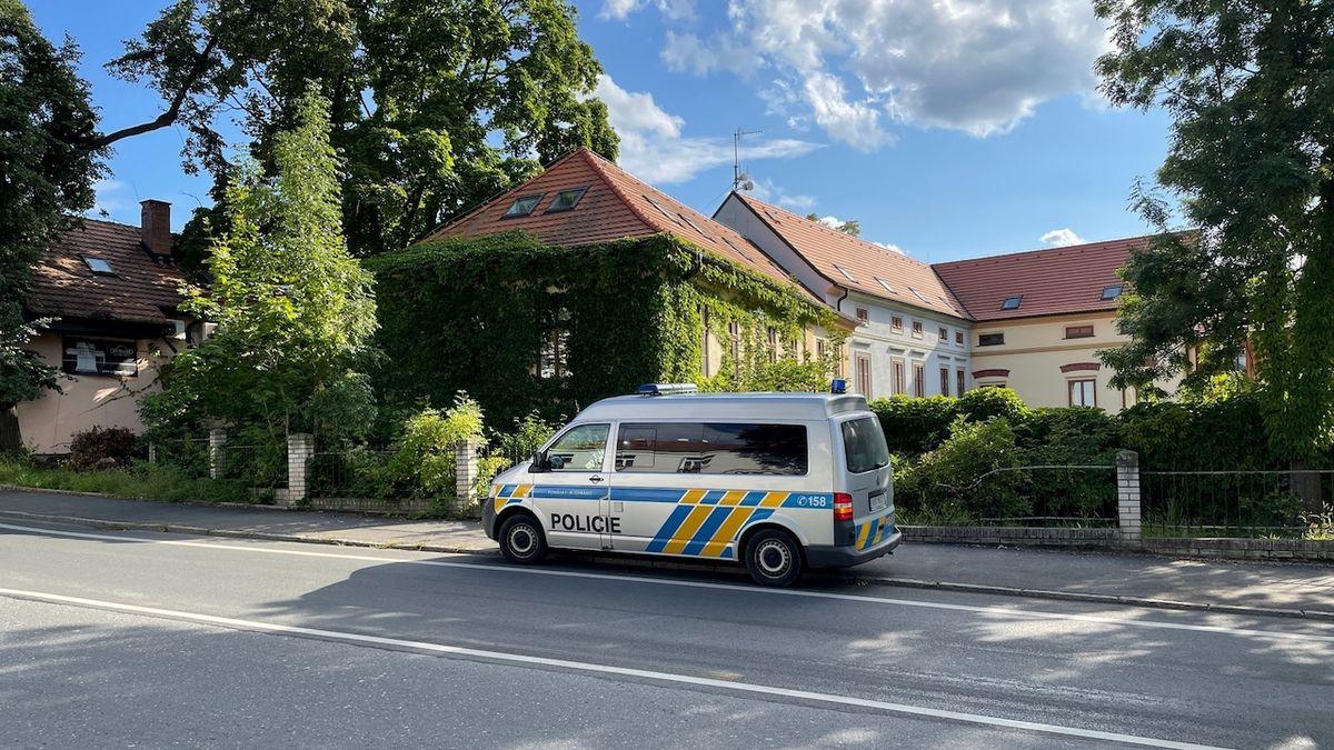 Náklaďák v Praze srazil koně