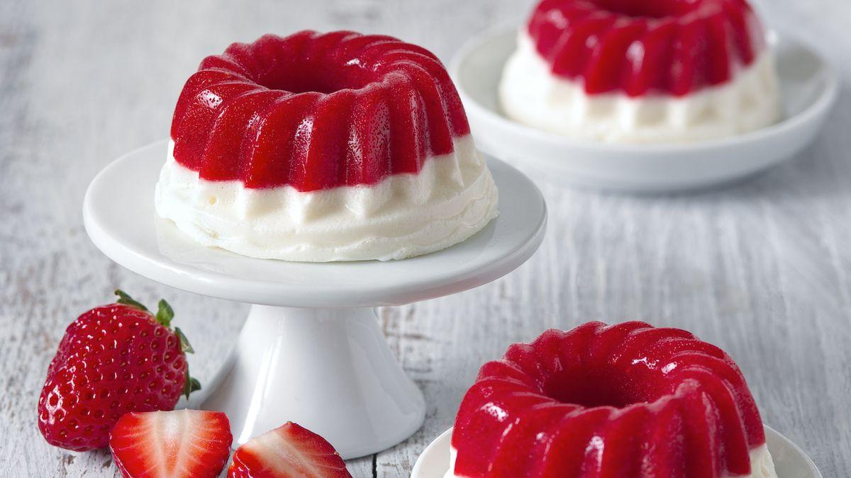 Dobroty z jahod: recepty na tartaletky, želé bábovičky, koláč a cheesecake